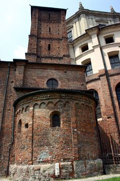 Romanesque apses in Milan. Basilica of san Lorenzo Maggiore. Italy Country, Romanesque Art, Early Middle Ages, Far Away, Medieval, Brick, Louvre, Milano, Bella