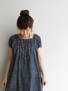 shirring at neckline - good idea for giving shape to a baggy dress