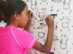 Great idea for one wall in the basement play area! Wee Gallery wallpaper: unfinished little cartoons meant for kids to draw on. Eco Kids, Diy For Kids, Crafts For Kids, Cartoon Meaning, Doodle Wall, Hello Kitty Dress, Wallpaper Companies, Vintage Red Dress, Cool Mom Picks