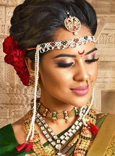 Bridal Makeup Images, Indian Bridal Makeup, Hairstyles For Round Faces, Loose Hairstyles, Indian Bridal Hairstyles, Wedding Hairstyles, Chignon Bun, Traditional Hairstyle, Bridal Bun