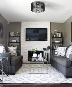 The gray interior trend continues with our Horizon rug in Love Fab Decor's transitional living room! You have to love the symmetry here! (HRZ-1048) #RugsInLivingRoom