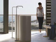 Mezclador de lavabo de latón cromado para fijación al suelo FS2 by Vola