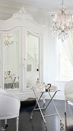 White Dressing Room. #Frenchbedroomcompany