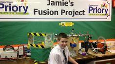 """Jovem de 13 anos consegue """"investimento"""" para criar um reator nuclear"""