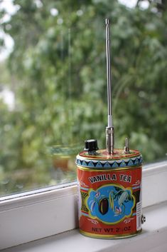 tea tin theremin