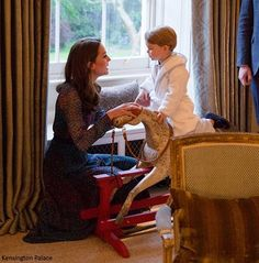 Prince George of Cambridge and Kate Middleton Prince Georges, Prince George Alexander Louis, William Kate, Prince William And Catherine, Lady Diana, Prince And Princess, Princess Diana, Prince Harry, Princess Photo