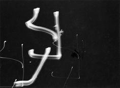 Harry_Callahan_Camera Movement on Flashlight 1946