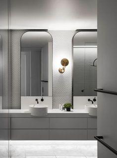 47 Beautiful Bathroom Lighting Ideas for All Interior Designs Bathroom Spa, Bathroom Toilets, Small Bathroom, Master Bathroom, Bathroom Lighting, Budget Bathroom, Bathroom Cabinets, Bathroom Ideas, Bathroom Black