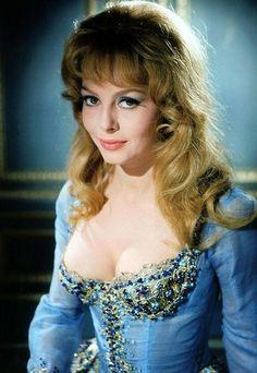 michele mercier Vintage Hollywood, Hollywood Glamour, Hollywood Stars, Classic Hollywood, Classic Actresses, Beautiful Actresses, Actors & Actresses, Sophia Loren, Michelle Mercier