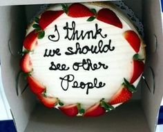 Painfully Honest Cake Messages Want a good laugh? Click this to see more awful and hilarious Painfully Honest Cake MessagesWant a good laugh? Click this to see more awful and hilarious Painfully Honest Cake Messages Funny Commercials, Funny Cake, Cake Wrecks, Think Food, Sweet Messages, Funny Messages, Let Them Eat Cake, Cookies Et Biscuits, Cupcake Cakes