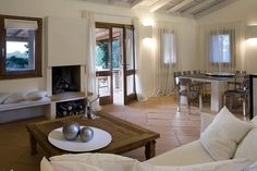 Check out this amazing Luxury Retreats property in Sardinia, with 5 Bedrooms and a pool. Browse more photos and read the latest reviews now.