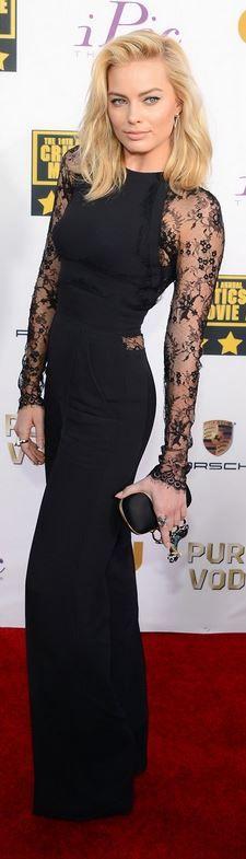 Margot Robbie: Dress – Elie Saab  Shoes – Christian Louboutin  Purse – Alexander McQueen  Jewelry – Ilena Makri