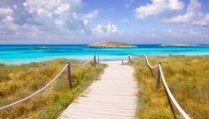 La regina della Costa Rei, nel Sud Est della Sardegna, vanta numerose spiagge, una più bella dell'altra, e un mare cristallino