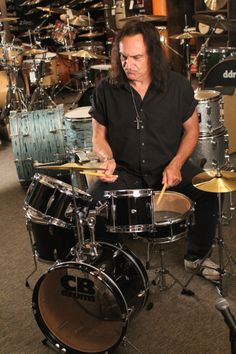 Vinny Appice at our Pro Artist Store Drum Wars the Clinic coming soon