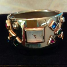 VINTAGE Ladies Watch -Franklin Mint Collection Vintage treasure! Beautiful ladies bracelet watch.  In original box.  New battery.  Quartz movement. On EBay for much more.  Great condition!  Cannot guarantee smoke or pet free. Reasonable offer considered. Franklin Mint Accessories Watches