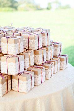 Unique Lace Wedding Favor Box / http://www.himisspuff.com/kraft-paper-wedding-decor-ideas/7/