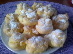 Czech Recipes, Le Chef, Mini Cakes, Sweet Recipes, Mousse, Cauliflower, Biscuits, Food And Drink, Yummy Food