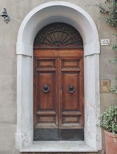 #pisa #traveldiary #photography #door #italy