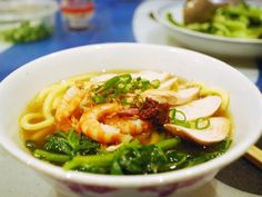 Penang Hokkien Mee (Malaysian spicy shrimp and pork noodle soup)