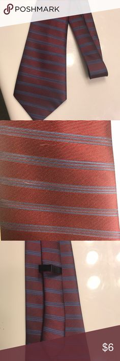 Plum-red and blue design tie Men's tie. No tag but great condition. Still has loop on the back Accessories Ties