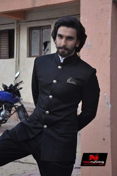 Ranveer On The Sets Of Comedy Nights With Kapil
