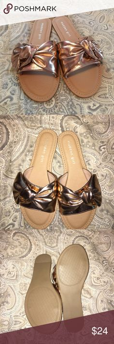 🔴NWOT Madden Girl Knot Slides🔴 Rose gold with brown base new madden girl sandals. Super cute and comfy! Was hoping I could squeeze into a 7 but nope :( hopefully they'll find love somewhere else! Steve Madden Shoes Sandals
