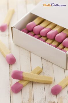 Biscuits or matches? Biscotti Cookies, Galletas Cookies, Cake Cookies, Cake Pops, Food Humor, Sweet Cakes, Cute Food, Cookie Bars, Cakes And More