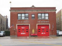 Chicago Fire Department, Fire Dept, Ghostbusters Firehouse, Brick Works, Engine House, Fire Equipment, Chicago City, Fire Apparatus, Police Station
