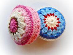#Crochet lily pincushion pattern via @becraftsy
