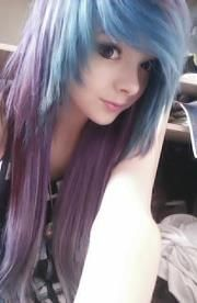 Pastel blue and purple scene hair. Oh lord, she's adorably perfect.