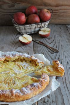 mone utilizzate un pelapatate per prelevare Apple Pie Recipes, Sweet Recipes, Italian Desserts, Italian Recipes, My Favorite Food, Favorite Recipes, Apple Deserts, Tarte Fine, Torte Cake