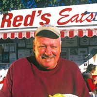 Love Maine Lobster Rolls? Red's Eats, here in Wiscasset, will be featured on the Travel Channel.  Watch it Tuesday, March 20th ad 9:30 pm ET.