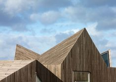 Folded roof landscape: Day care centre by dorte mandrup arkitekter Factory Architecture, Timber Architecture, Contemporary Architecture, Architecture Design, Helsingborg, Scandinavian Architecture, Wood Facade, Timber Cladding, Timber Roof