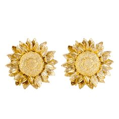 View this item and discover similar for sale at - Made by Asprey, these sunflower earrings are yellow gold. Real Gold Jewelry, White Gold Jewelry, Cute Jewelry, Boho Jewelry, Sterling Silver Jewelry, Wedding Jewelry, Jewelery, Jewelry Accessories, Fashion Jewelry