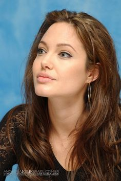 Guardian Evelline of the Soul (Angelina Jolie) Angelina Jolie Fotos, Angelina Jolie Makeup, Angelina Jolie Style, Beautiful Celebrities, Beautiful Actresses, Beautiful People, Le Jolie, Foto Art, Mannequins