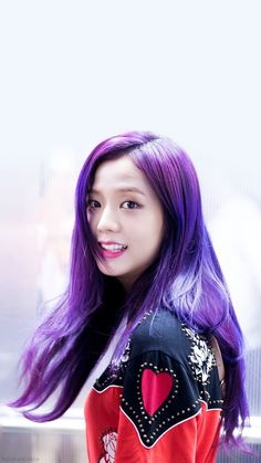 OH MY GOSH I CANT EXPRESS HOW MUCH I ABSOLUTELY LOVE JISOO WITH PURPLE HAIR IT IS SO BEAUTIFUL SHE BETTER NOT CHANGE IT FOR A LOOOOOOOOOOONG TIME