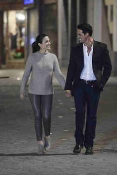 Andi Dorfman and Josh Murray Have a Moment During Their Date in Episode 7
