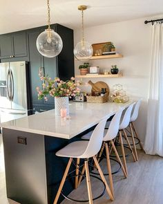 Outstanding modern kitchen room are offered on our website. Read more and you wont be sorry you did. Home Decor Kitchen, Rustic Kitchen, Kitchen Interior, Home Kitchens, Kitchen Ideas, Ikea Kitchens, Diy Kitchen, Black Ikea Kitchen, Awesome Kitchen