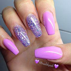 Pink Nailz and Glitter