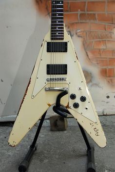 james hetfield gibson explorer - Google Search