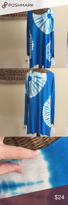 Soft Surroundings Tie Dye Tunic Blue Amalfi L Soft Surroundings Blue Tie Dye Tunic in Size L. Super soft tunic in great condition except for two small marks on back near neckline, see pic. See pics for measurements and material. Soft Surroundings Tops Tunics