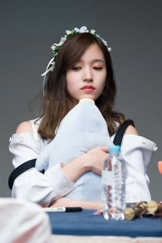 Kpop Girl Groups, Korean Girl Groups, Kpop Girls, Nayeon, Sana Momo, Twice Kpop, Myoui Mina, Japanese American, Cute Friends