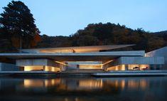 A Lakeside Villa, by Nikken Sekkei Architects / Pen Magazine International. Ⓒ Koji Fujii Nacasa Partners.