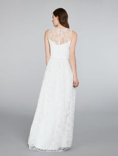 Max Mara 2018 / EUNICE / white: Embroidered tulle dress // Precious tulle dress with lace-effect embroidery. Features a relaxed shape with waist seam embellished by light gathering that gives the skirt greater movement. Silk blend crêpe de chine lining. Invisible zip fastening at the side and teardrop-motif neckline with grosgrain fabric tie lace at the back.