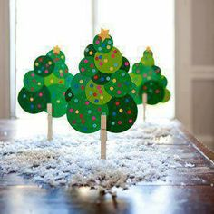 Manualidades navideñas para niños / Christmas crafts for kids Preschool Christmas, Noel Christmas, Christmas Activities, Christmas Crafts For Kids, Holiday Crafts, Holiday Fun, Christmas Decorations, Christmas Ornaments, Christmas Tress