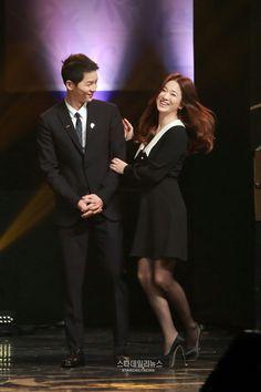 song hye kyo 송혜교 宋惠敎 ♡ song joong ki 송중기 song song couple at the korean popular culture and arts awards ceremony 10.27.2016