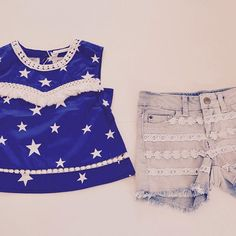 Blusa Stars // Short Puntilla Encontralos en  www.bowandarrow.com.ar #fashionkids #laceshorts