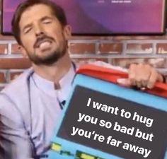 cute love memes I can send Virtual hug . No worries Freaky Memes, Stupid Funny Memes, Funny Relatable Memes, Funny Drunk, Drunk Texts, Funny Guys, Hilarious Quotes, Funny Life, Memes Humor