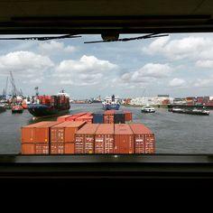 Drukte centrale geul #eemhaven #rotterdam #binnenvaart #zeevaart