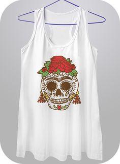 Camiseta em malha, estampa em serigrafia, disponível na cor branca. Disponível nos seguintes modelos: Básica, Baby Look e regatão (longuete). Do P ao GG. R$55,00